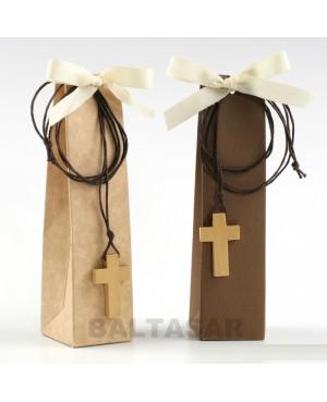 colgante de madera cruz con bombones