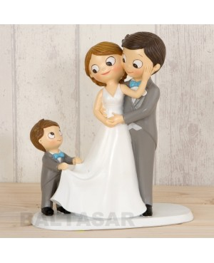 Figura boda pastel con hijo mayor