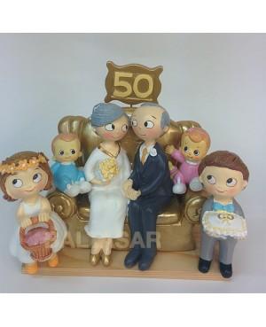 Figura pastel bodas de oro con 4 nietos