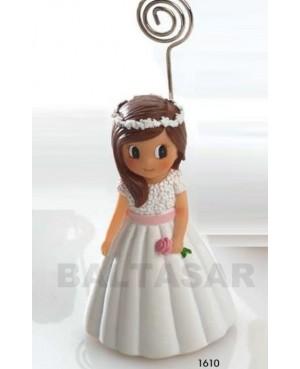 Niña primera comunión vestido blanco con corona recordatorio