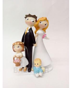 Figura novios con hija y hijo pequeño