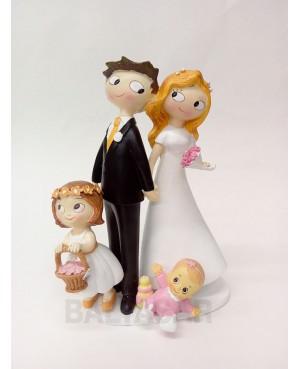 Figura novios con hija y hija pequeña