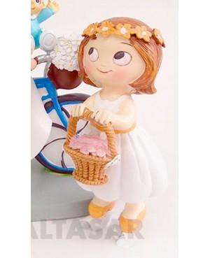 Figura niña cesta boda para pastel