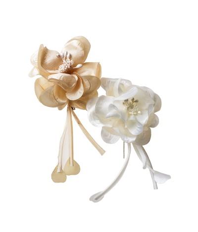 Broche flor marfil/beige 17cm., min.12