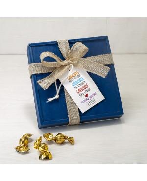 Caja madera azul 30croki-choc y tarjetón gracias profe
